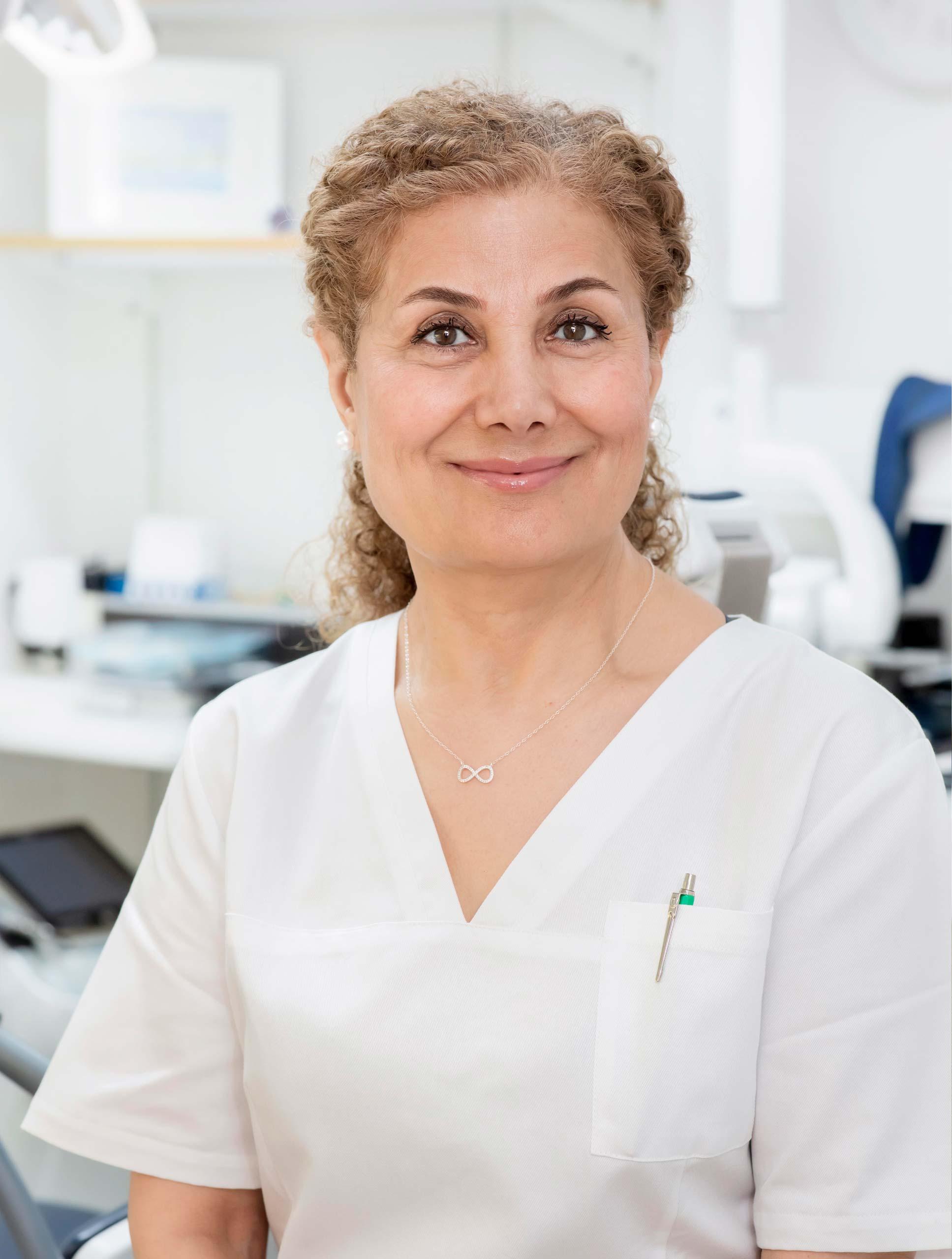 Tandsköterska Saghar Edalat